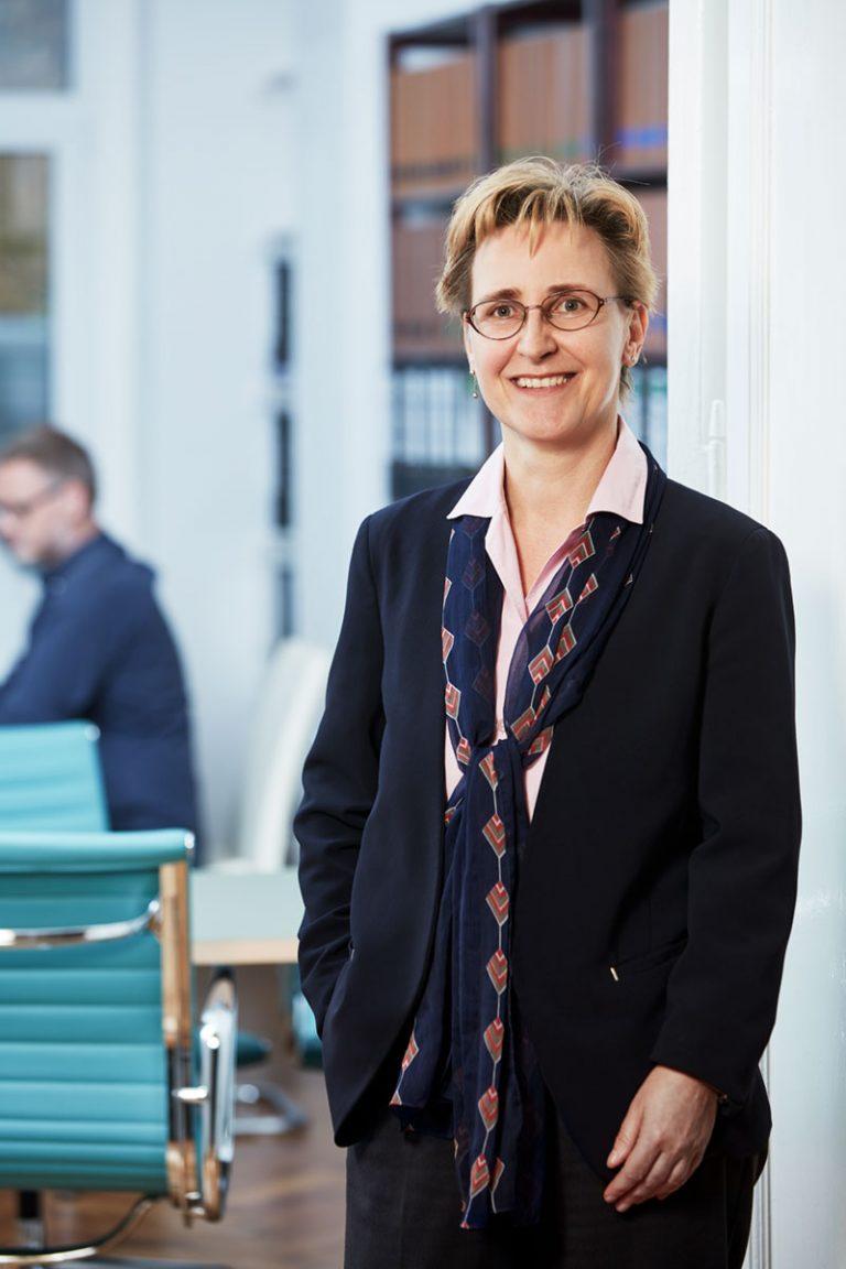 RA Achour & Partner mbB - Ines Hölzel-Wiesemann